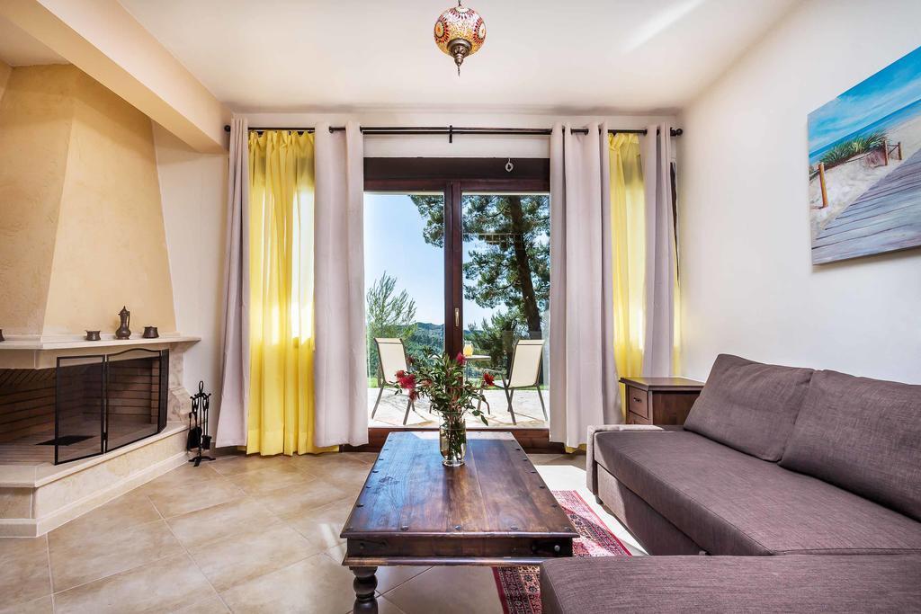 akritas-ef-zin-villas-suites-genel-0018