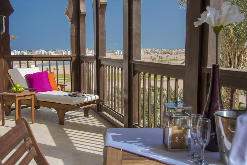 ancient-sands-golf-resort-and-residences-genel-007