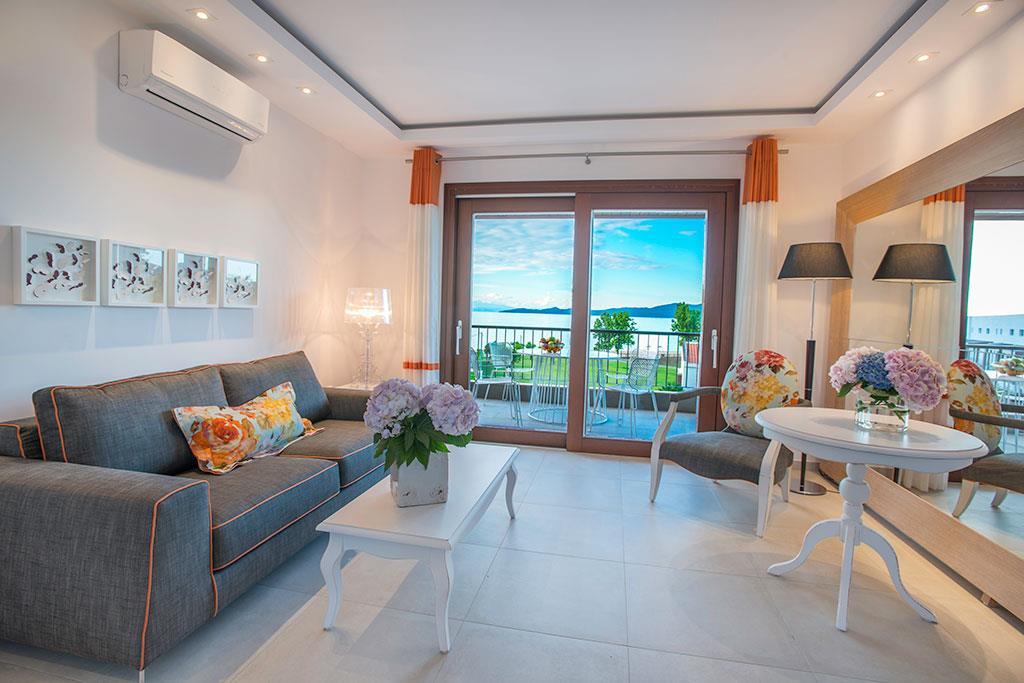 avaton-luxury-villas-resort-genel-001