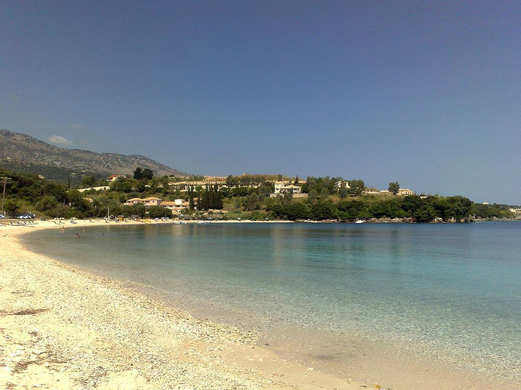 avlaki-beachfront-villa-genel-007