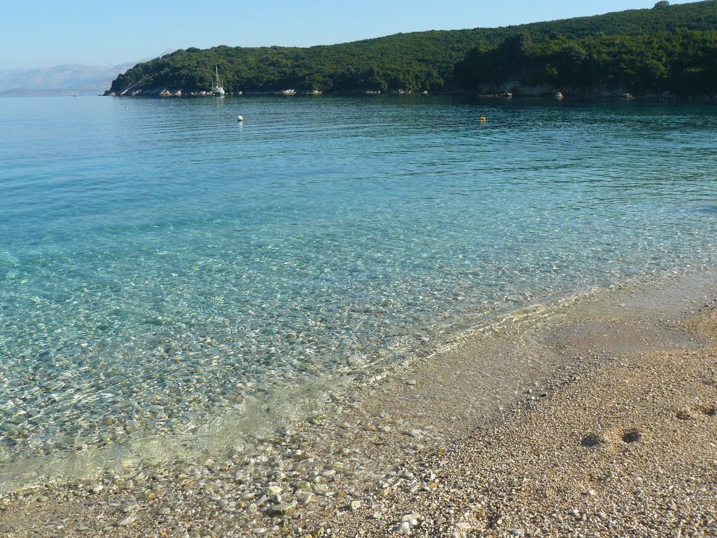 avlaki-beachfront-villa-genel-008