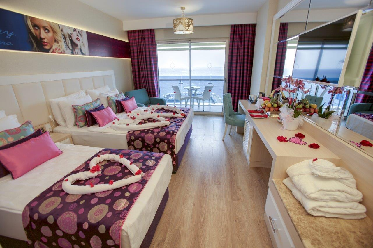 azura-deluxe-hotel-025