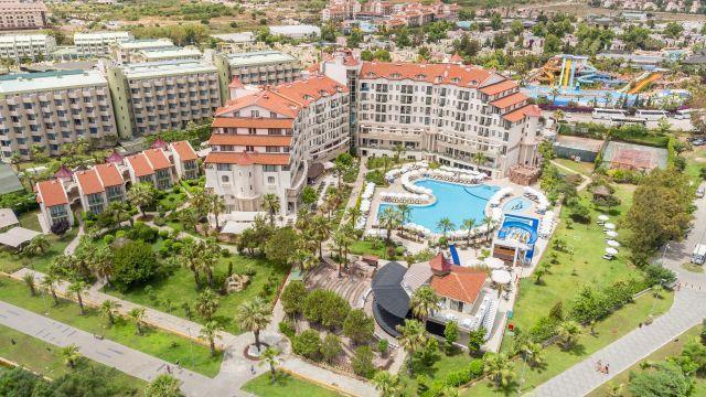 bella-resort-hotel-002