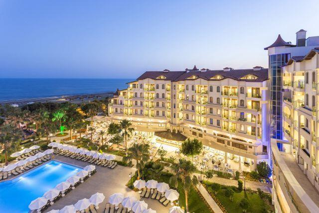 bella-resort-hotel-013