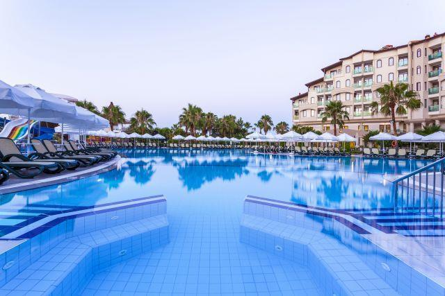 bella-resort-hotel-023