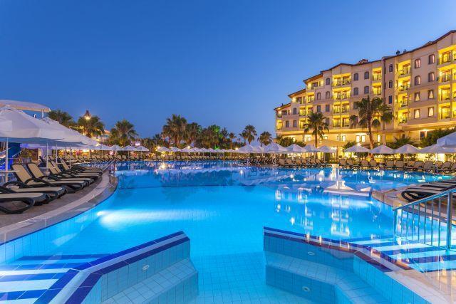 bella-resort-hotel-024