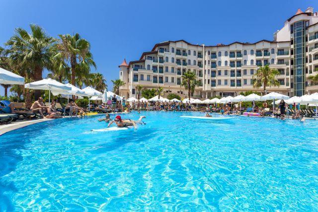 bella-resort-hotel-025