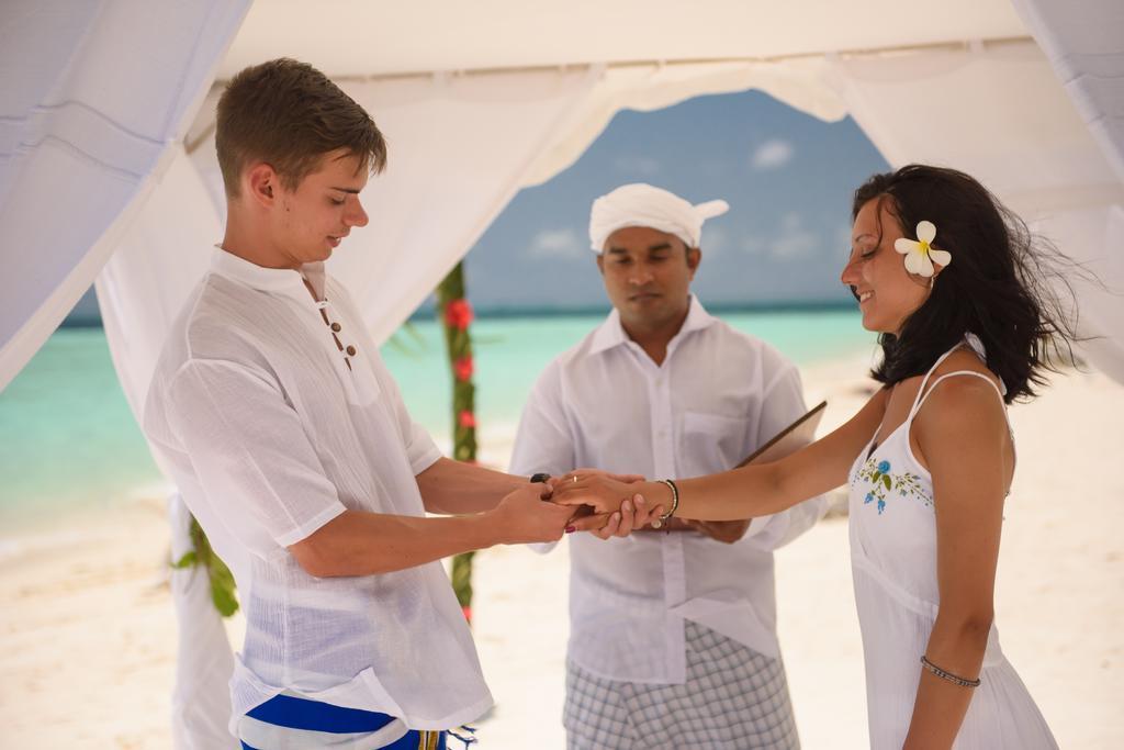 biyadhoo-island-resort-spa-007