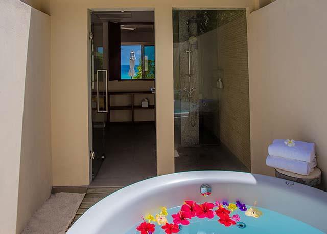 centara-ras-fushi-resort-spa-genel-004