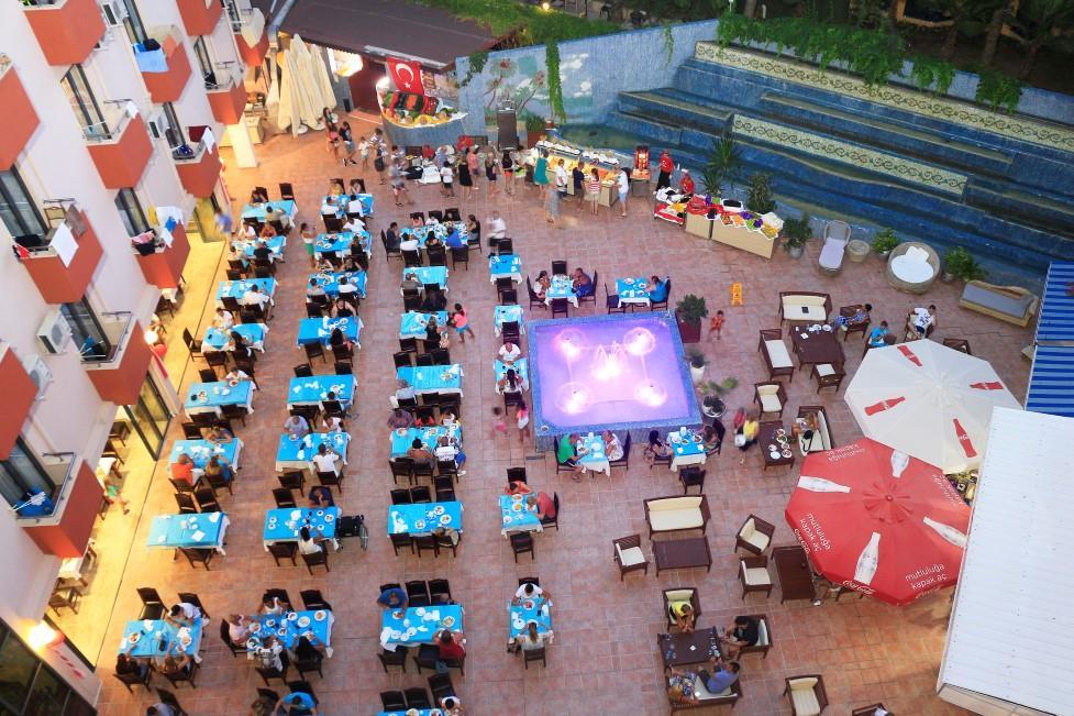club-aqua-plaza-004