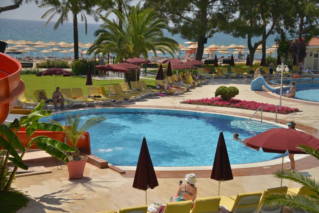 club-boran-mare-beach-genel-0015