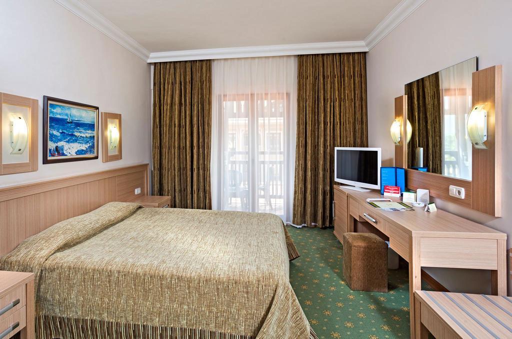 club-hotel-phaselis-rose-genel-0015