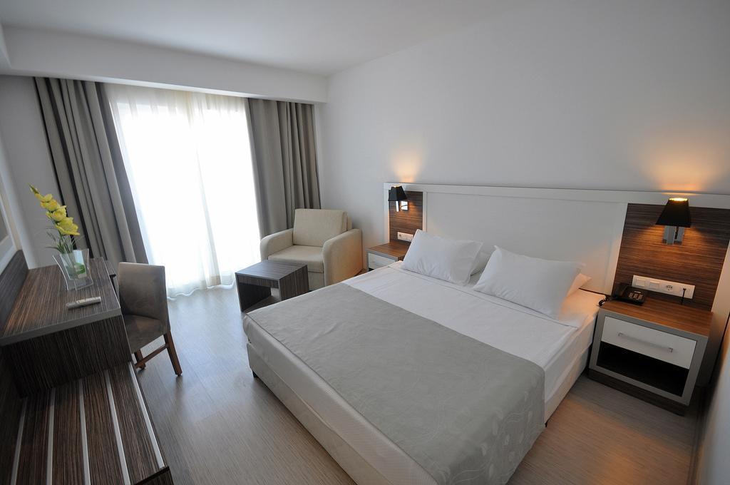 club-shark-hotel-genel-009