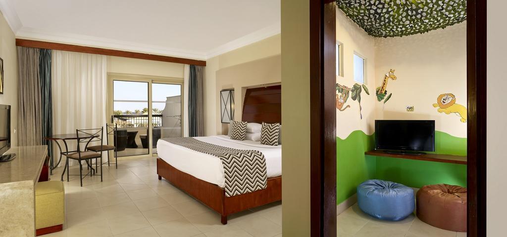 coral-sea-holiday-resort-genel-001