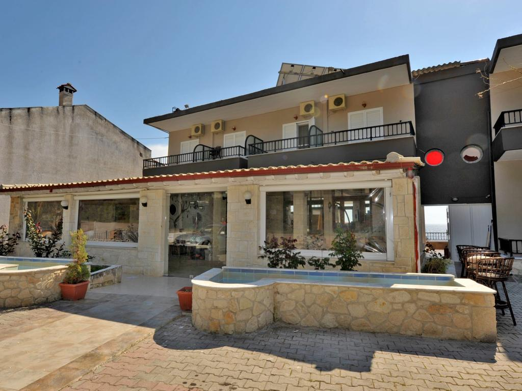 coralli-holidays-rooms-apartments-genel-002