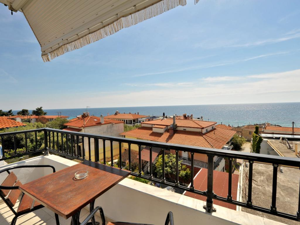 coralli-holidays-rooms-apartments-genel-005