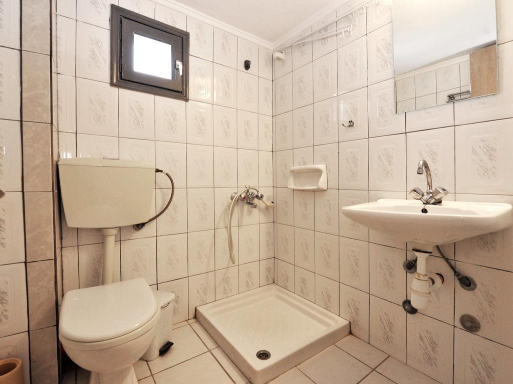 coralli-holidays-rooms-apartments-genel-009