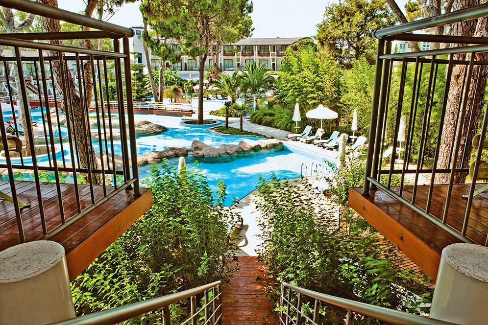 cornelia-deluxe-resort-039