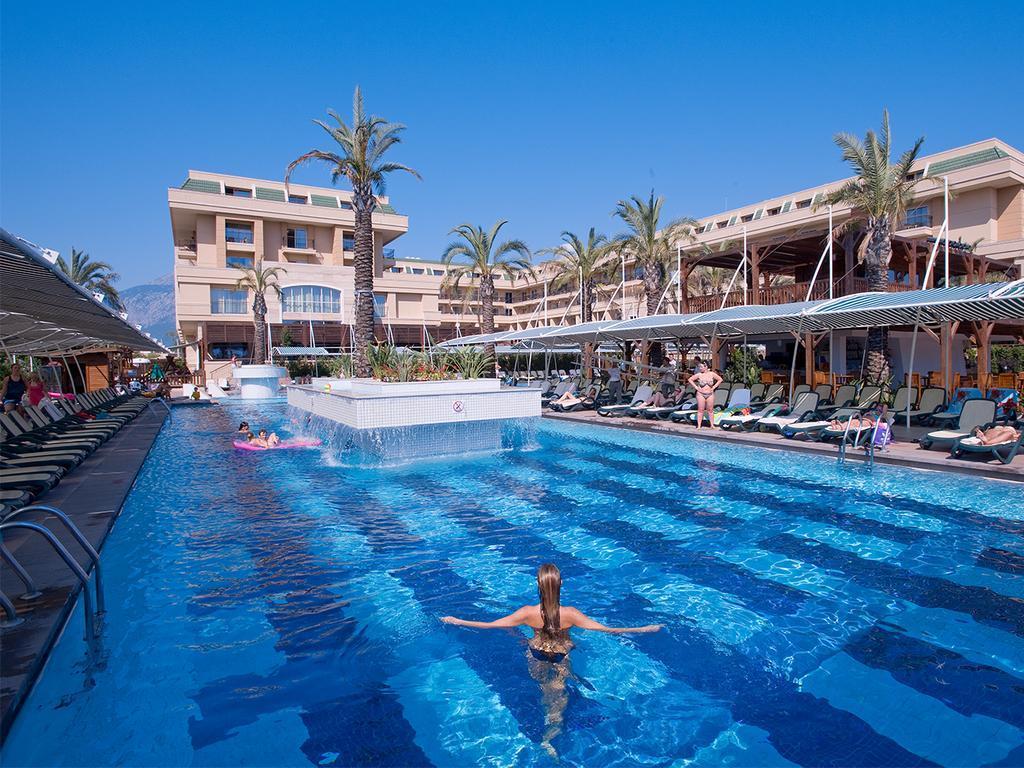 crystal-de-luxe-resort-spa-genel-0013