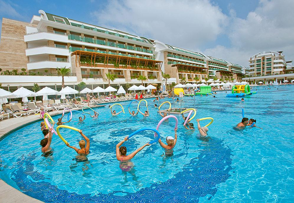 crystal-water-world-hotel-001