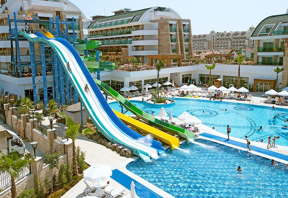 crystal-water-world-hotel-004