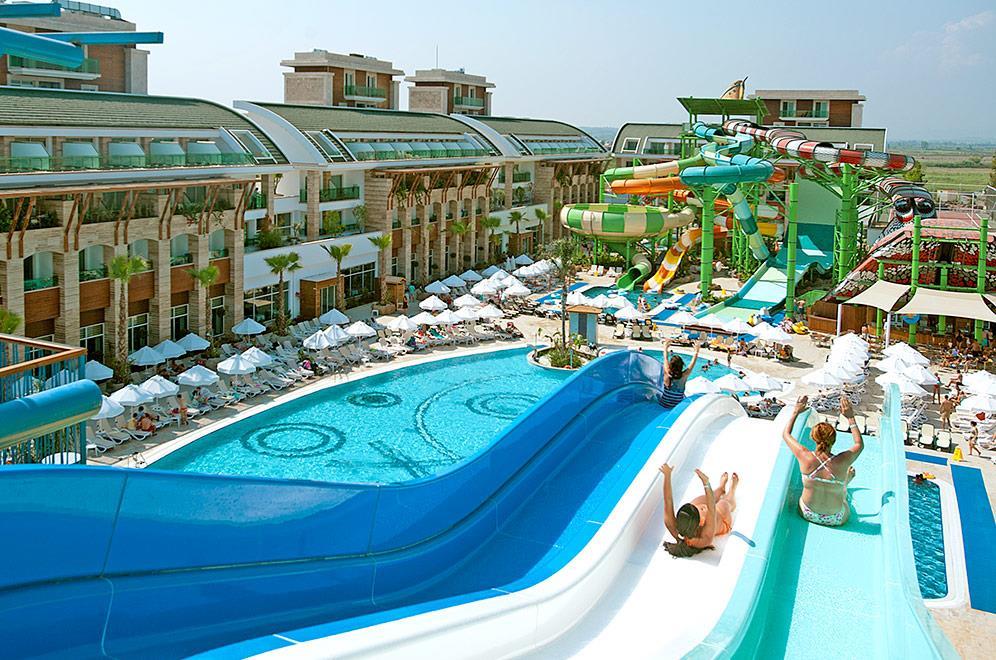 crystal-water-world-hotel-006