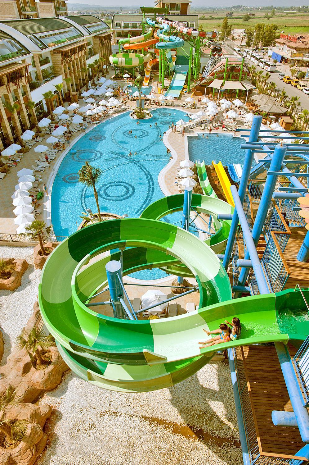 crystal-water-world-hotel-007