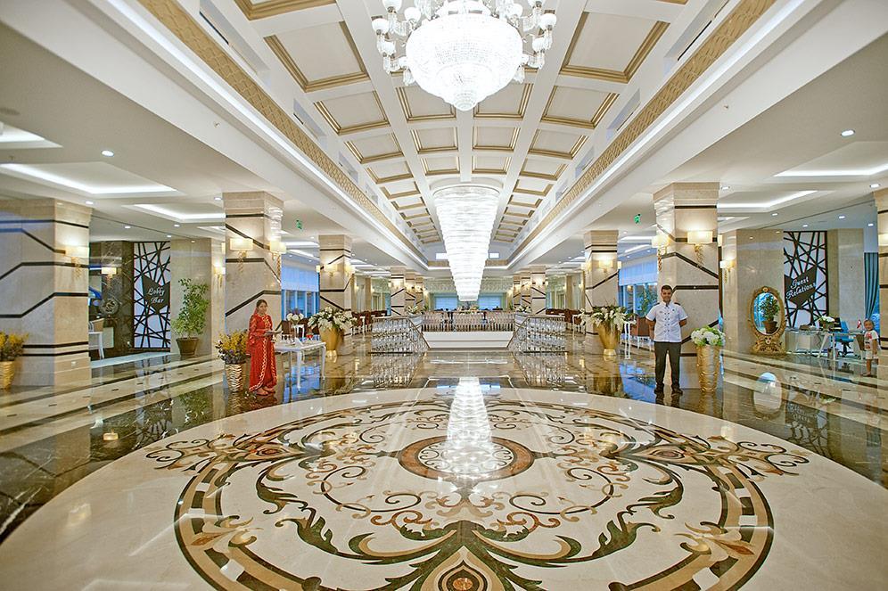 crystal-water-world-hotel-012