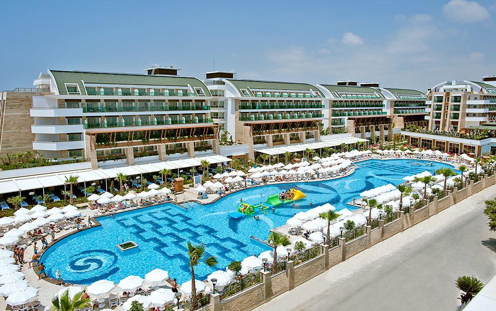 crystal-water-world-hotel-019