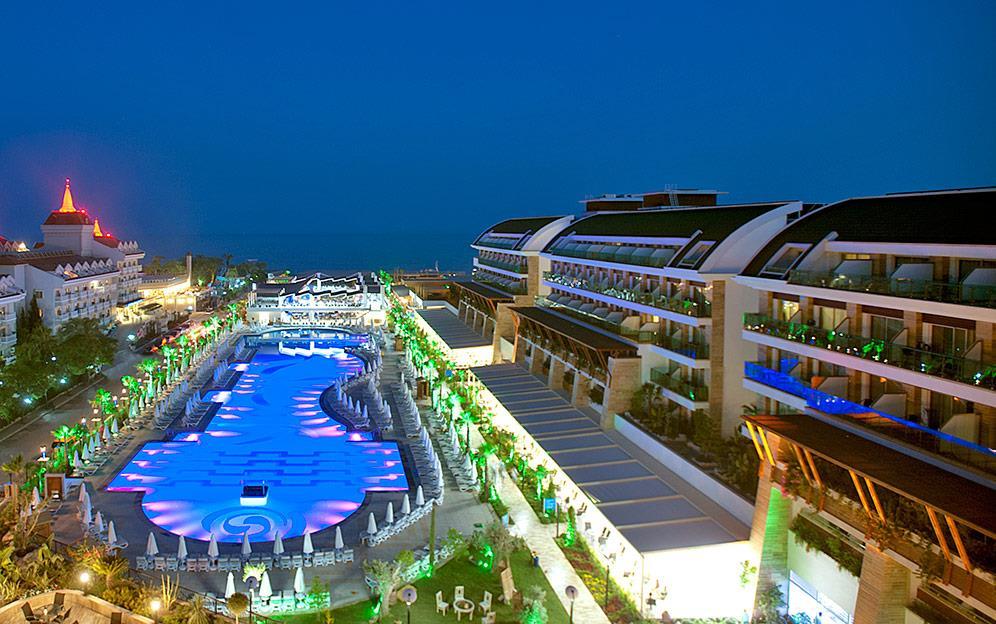 crystal-water-world-hotel-022
