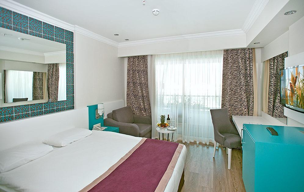crystal-water-world-hotel-026