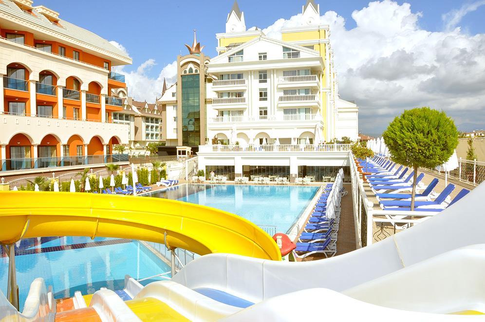 dream-world-resort-spa-002