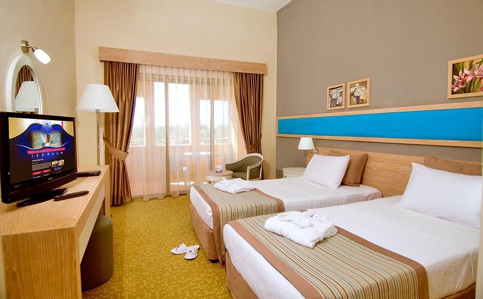 euphoria-excelsior-hotel-(ex-corinthia)-000
