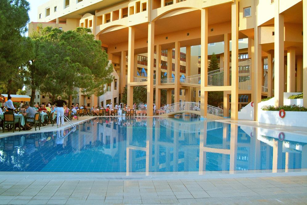 euphoria-excelsior-hotel-(ex-corinthia)-009