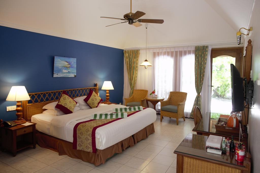 fihalhohi-island-resort-spa-007