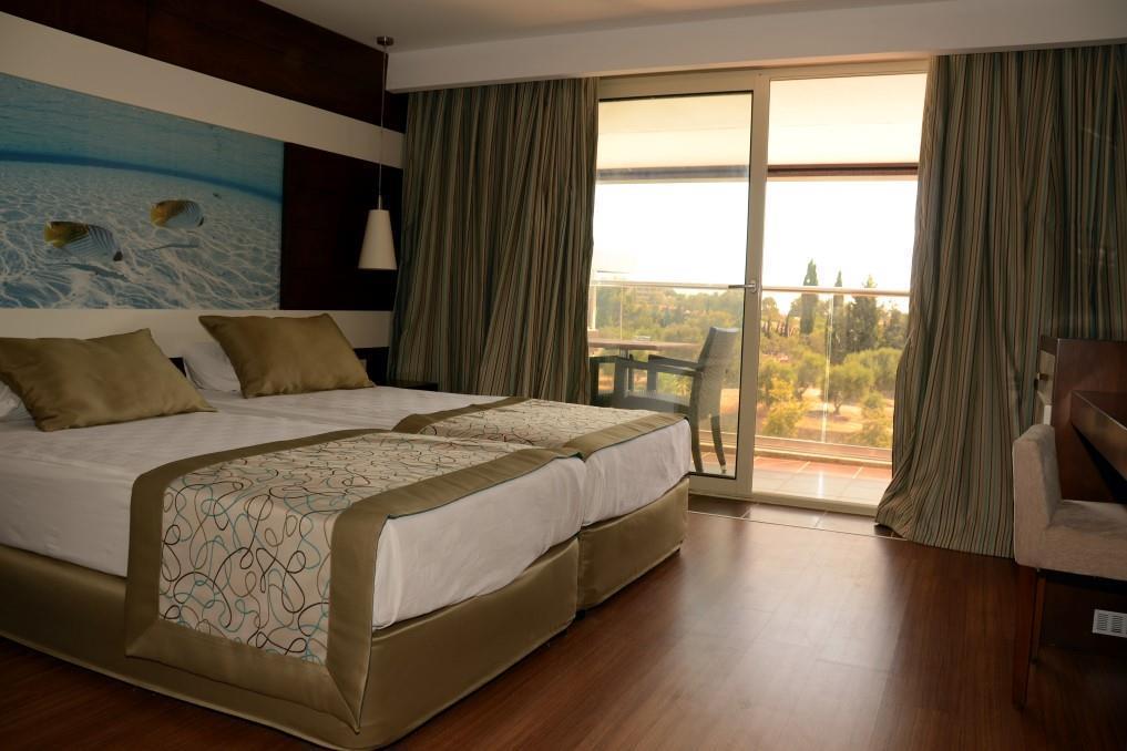holiday-city-hotel-009
