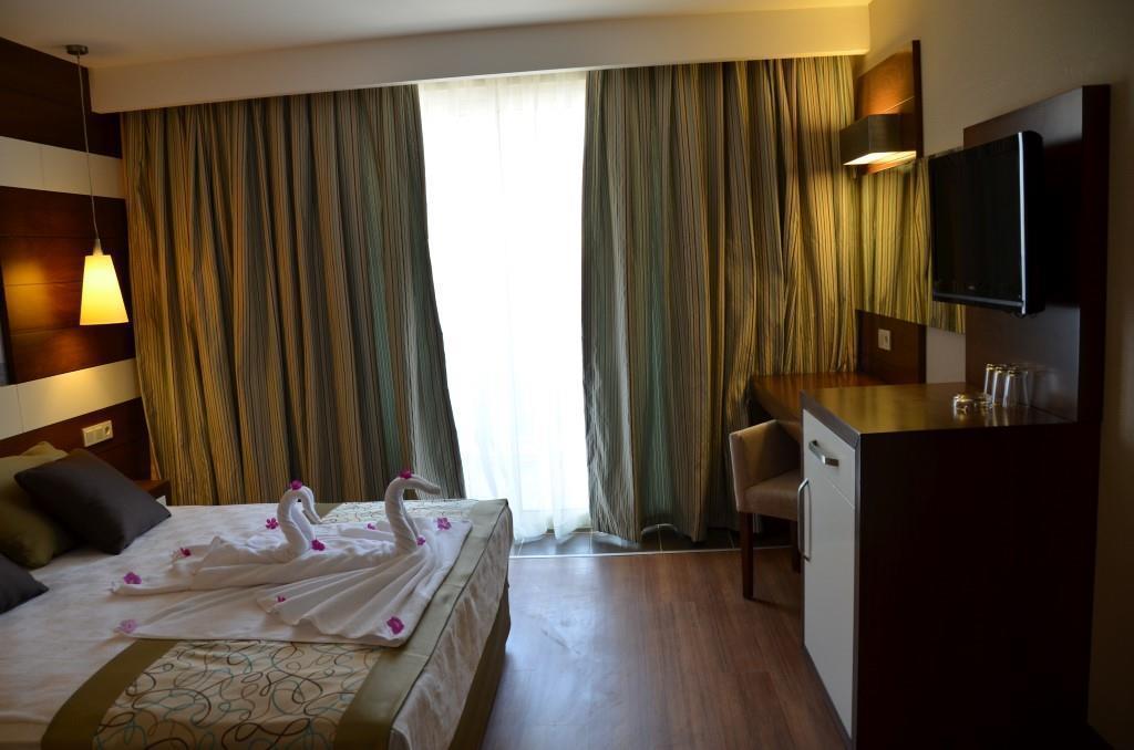 holiday-city-hotel-010