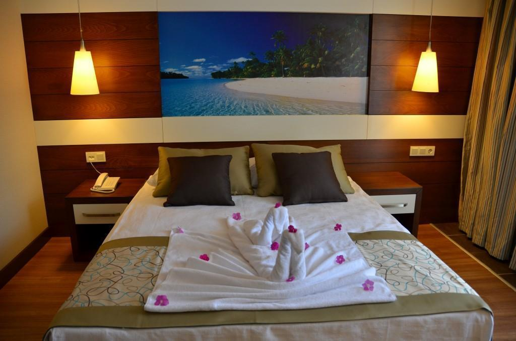 holiday-city-hotel-011