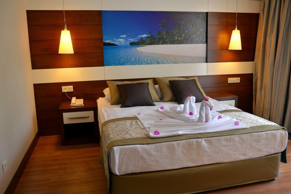 holiday-city-hotel-012