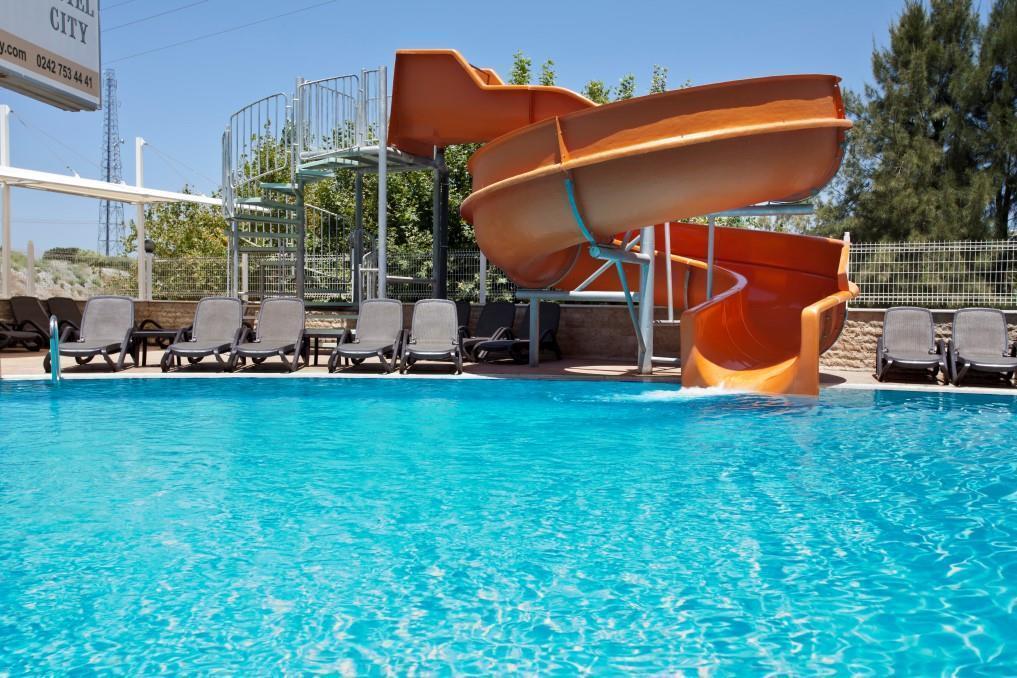 holiday-city-hotel-013