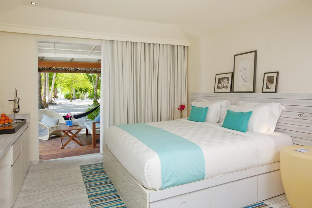 holiday-inn-kandooma-maldives-genel-002
