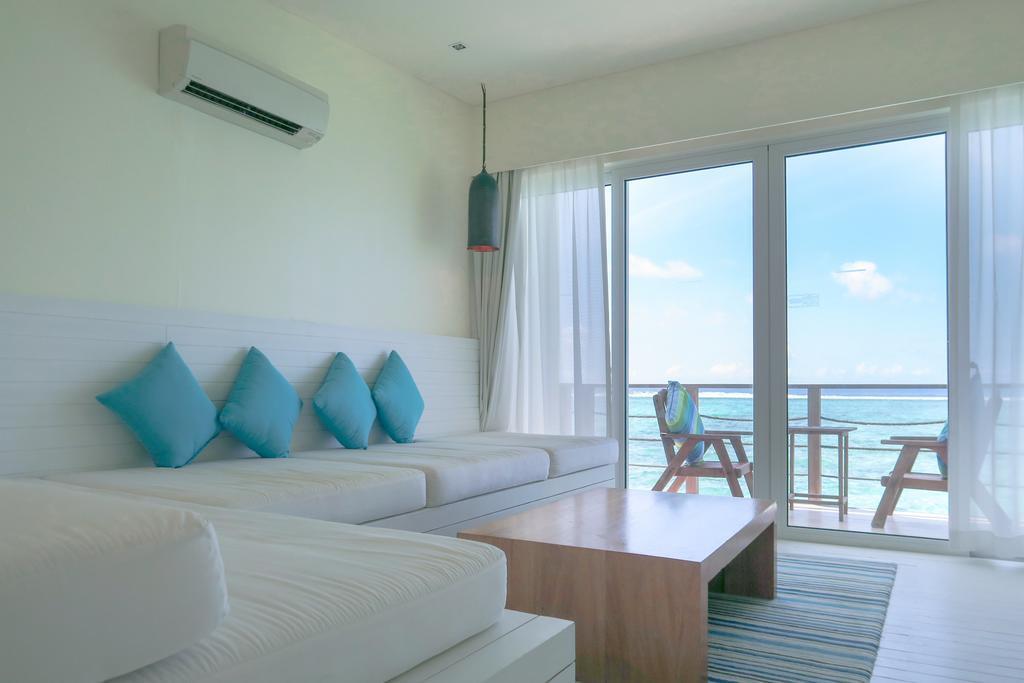 holiday-inn-kandooma-maldives-genel-004