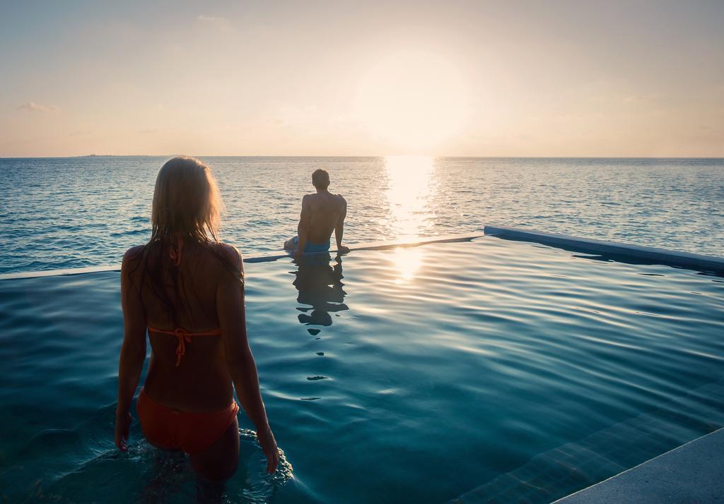 hurawalhi-resort-maldives-genel-007