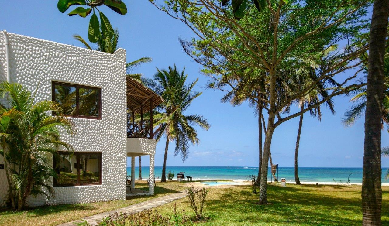 jacaranda-indian-ocean-beach-club-golf-003