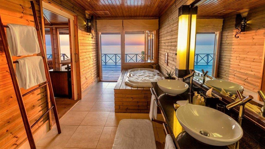 komandoo-maldives-island-resort-genel-007