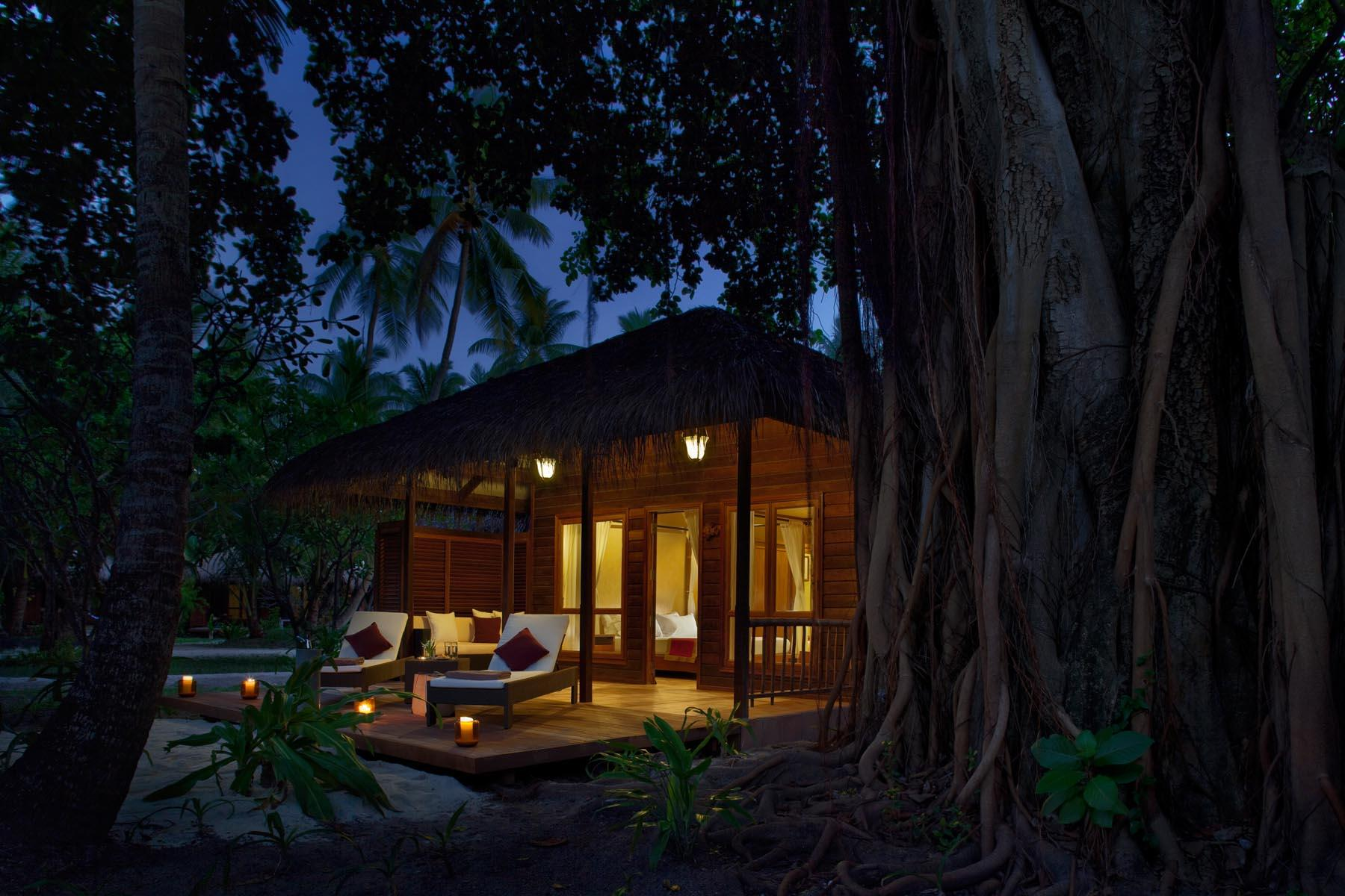 kuramathi-island-maldives-genel-005