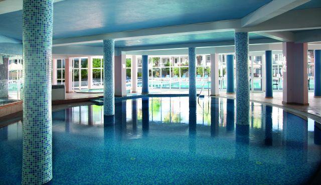 la-hotel-resort-002