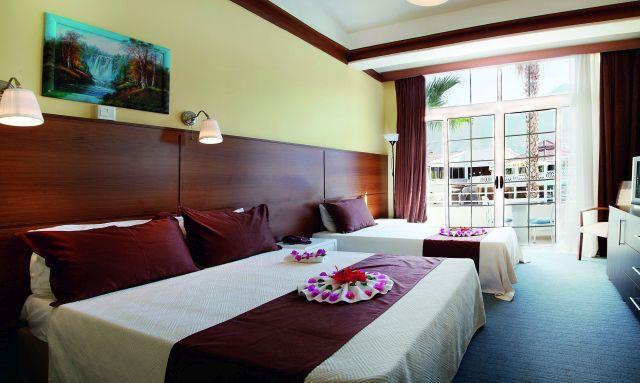 la-hotel-resort-004