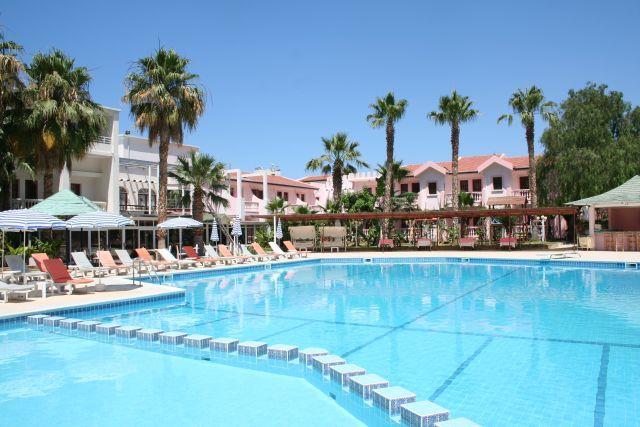 la-hotel-resort-010