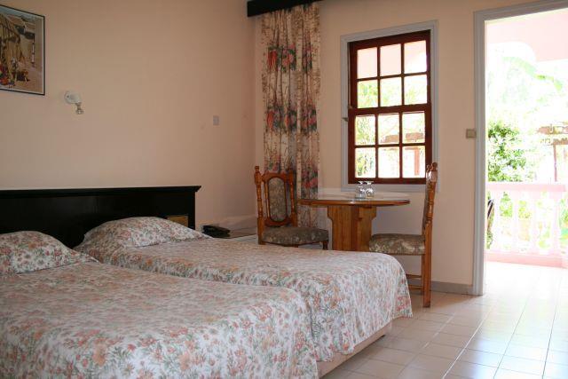 la-hotel-resort-011